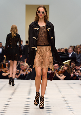 B8Burberry Womenswear S S16 Collection - Look 14